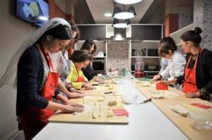 scuola di cucina parola al cibo addio nubilato