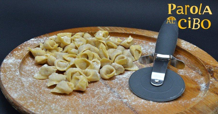 scuola di cucina parola al cibo corso pasta fresca tortellini